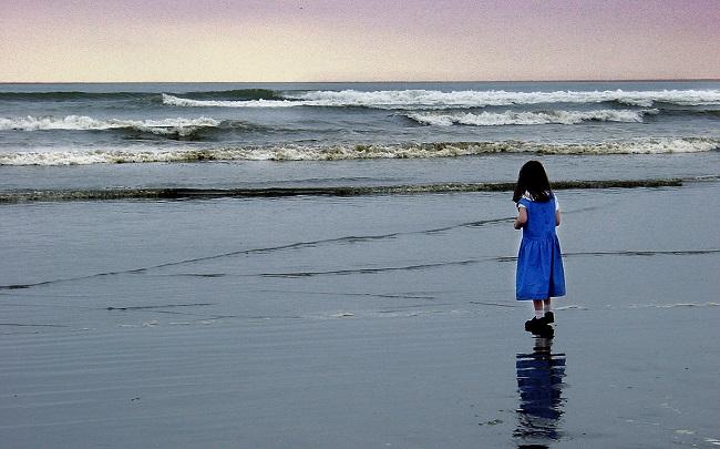A menina do vestido azul