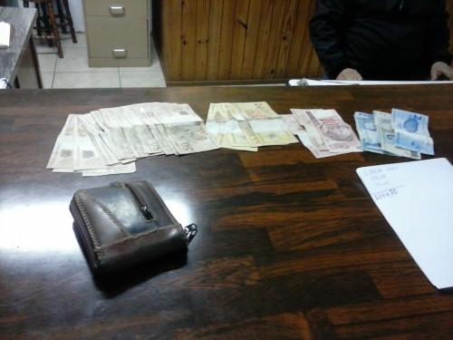 Ir para  <p><big>H&aacute; alguns dias Policiais Militares do munic&iacute;pio de Gaurama receberam den&uacute;ncia de que um individuo estaria traficando drogas&nbsp;no munic&iacute;pio de...