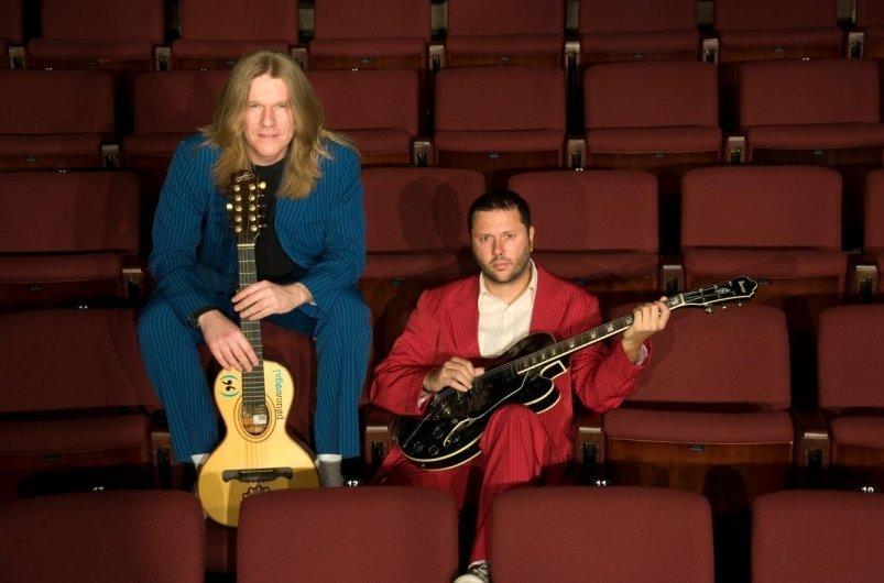 Ir para  <p><big>Cidadão Quem foi uma banda porto alegrense que surgiu em meados dos anos 90, e teve como integrantes iniciais o Cau Hafner (Bateria) e os irmão Luciano (baixo) e Duca Leindecker (Voz e guitarra). O fim da...