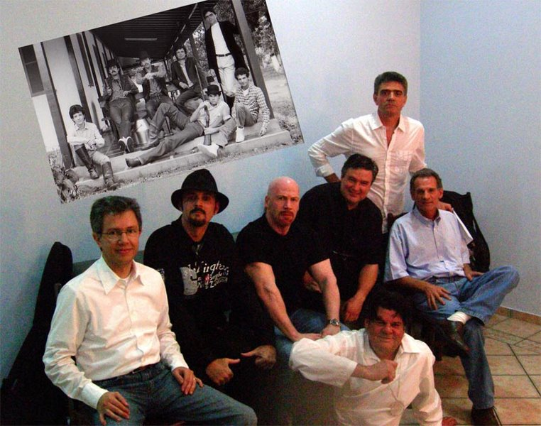 Ir para  <p><big>Daniel Lucena junto com a banda Expresso Rural conquistou o cora&ccedil;&atilde;o de in&uacute;meros f&atilde;s durante as d&eacute;cadas de 80 e 90, teve sua vida retratada no document&aacute;rio...