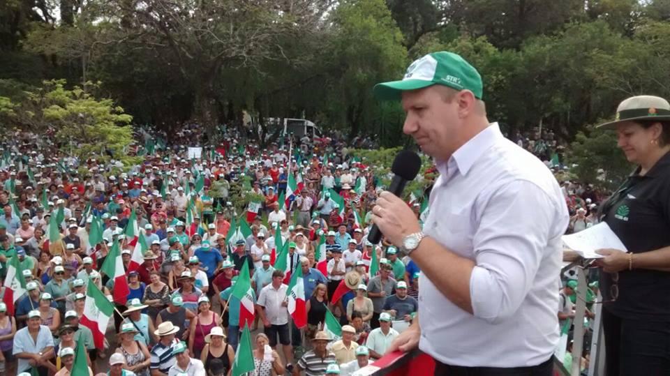 Ir para  <p><big>Mais de dez mil pessoas participaram hoje (21) em Santa Cruz do Sul do ato contra a reforma da Previd&ecirc;ncia Social pela FETAG e o conjunto do Movimento Sindical dos Trabalhadores e das Trabalhadoras Rurais. Por volta...