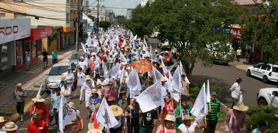 Ir para  <p><big>Um dia especial que marca a importância da mulher em nossa sociedade e que marcará a luta contra a Reforma da Previdência. O SUTRAF- AU, Sindicato Unificado dos Trabalhadores do Alto Uruguai...