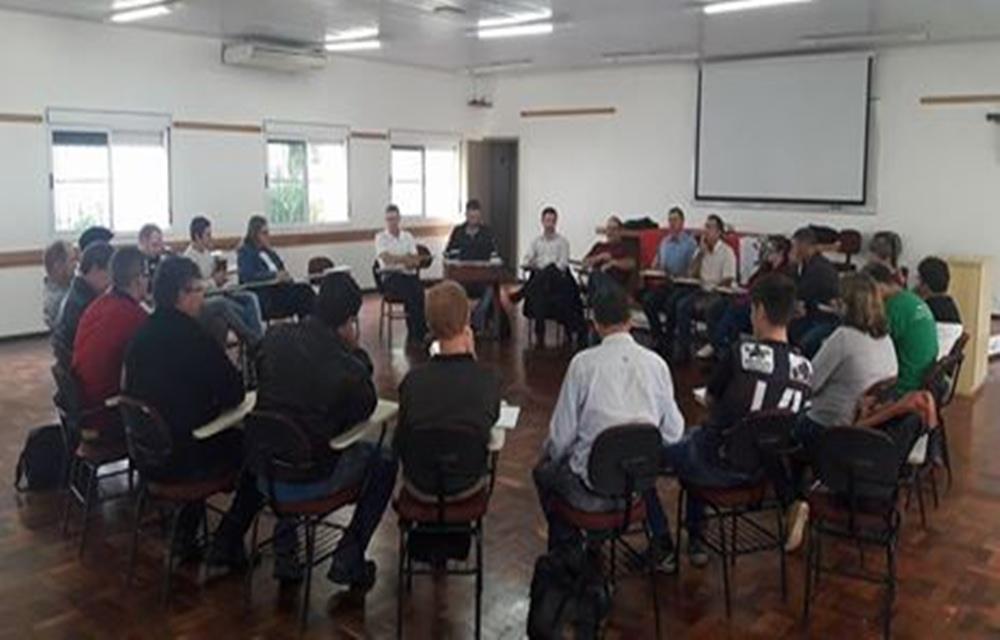 Ir para  <p>Na terça-feira (11), foi realizada no auditório do Seminário Nossa Senhora de Fátima uma reunião para planejamento das ações de...
