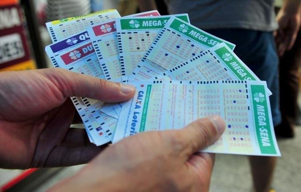 Mega-Sena acumula e pode pagar R$ 88 milhões no próximo sorteio.