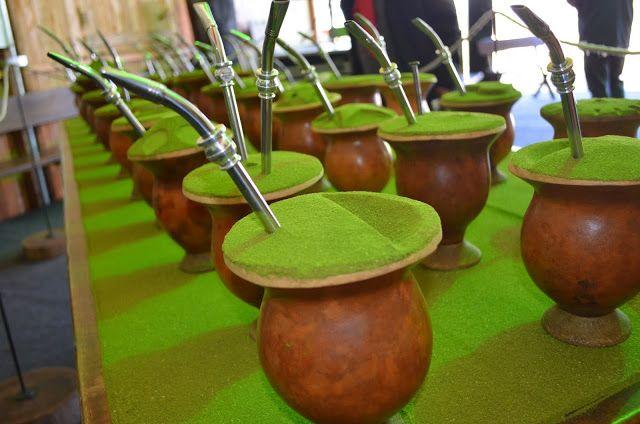 Ir para  <p><big>Símbolo da tradição do Rio Grande do Sul, o chimarrão é uma herança cultural dos índios guaranis e se manteve presente no dia-a-dia dos...