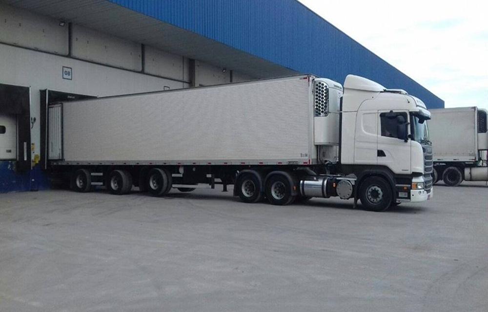 Ir para  <p>Um caminhão Scania de Concórdia foi roubado na última semana em Itajaí, no litoral catarinense. O veículo que tracionava uma carreta semirreboque, foi levado pelos bandidos e estava...