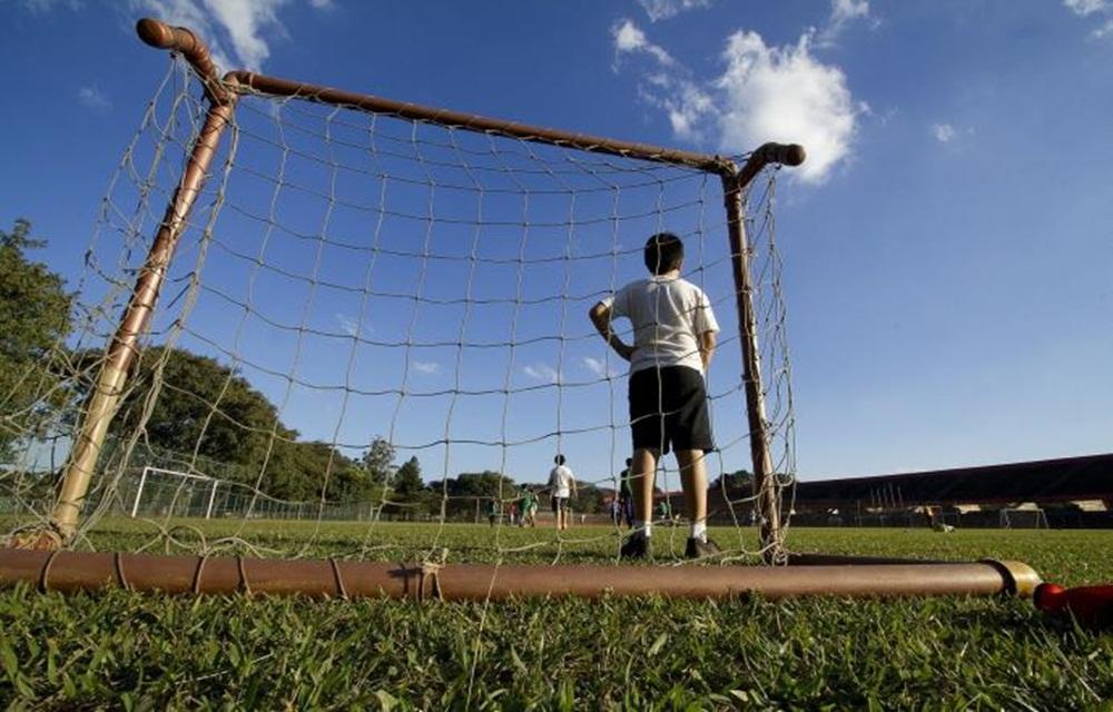 Mais de 200 cidades gaúchas não têm escolas com instalação esportiva, aponta IBGE.