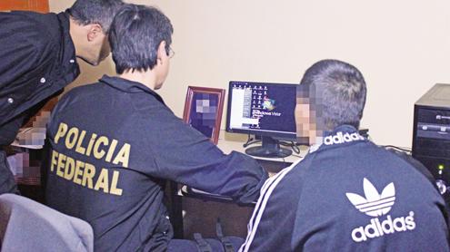 Ir para  <p><big>A Polícia Federal (PF) realiza nesta terça-feira a segunda fase da Operação Glasnost, contra ações de pedofilia, no Rio Grande do Sul e em mais 13 estados do...