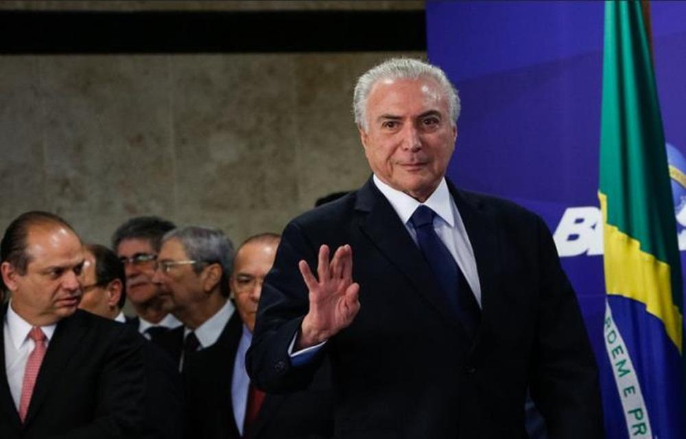 Ir para  <p>A Câmara dos Deputados começar às 9h desta quarta-feira a decidir o futuro do presidente Michel Temer, que é acusado de corrupção passiva nas...