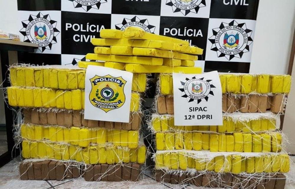 Ir para PRF e Polícia Civil apreendem 237 kg de maconha em Santana do Livramento.