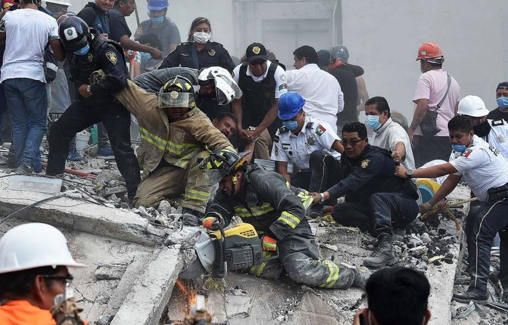 Terremoto de magnitude 7,1 deixa mortos no México.