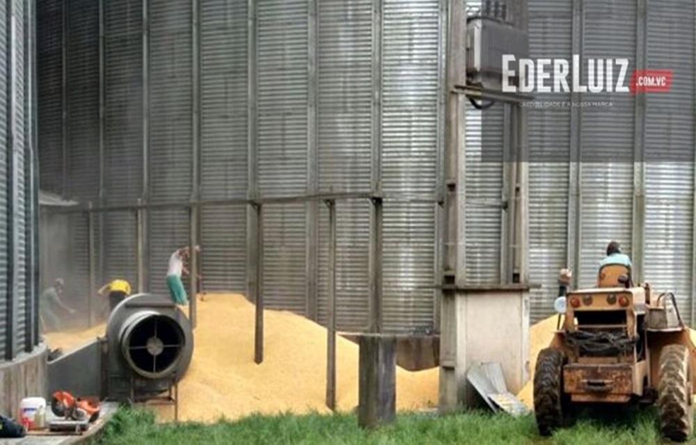Ir para Após mais de 10 horas, corpo de homem é retirado de silo em Joaçaba.