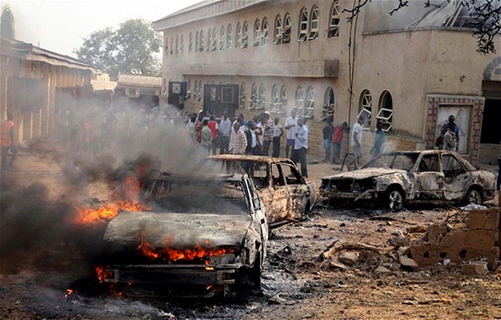 Ao menos 50 mortos em atentado no nordeste da Nigéria.