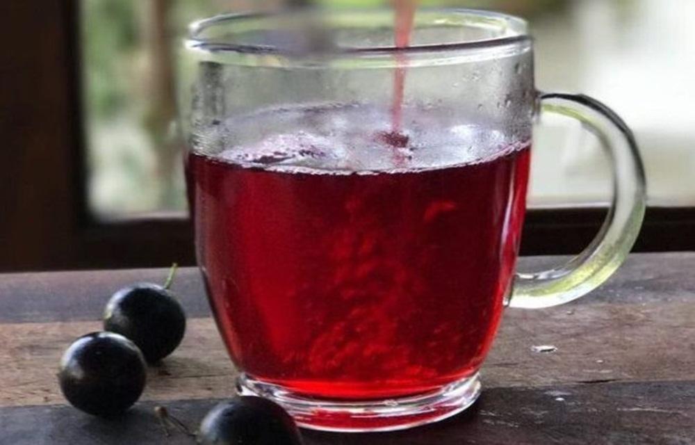 Chá de jabuticaba e hibiscos