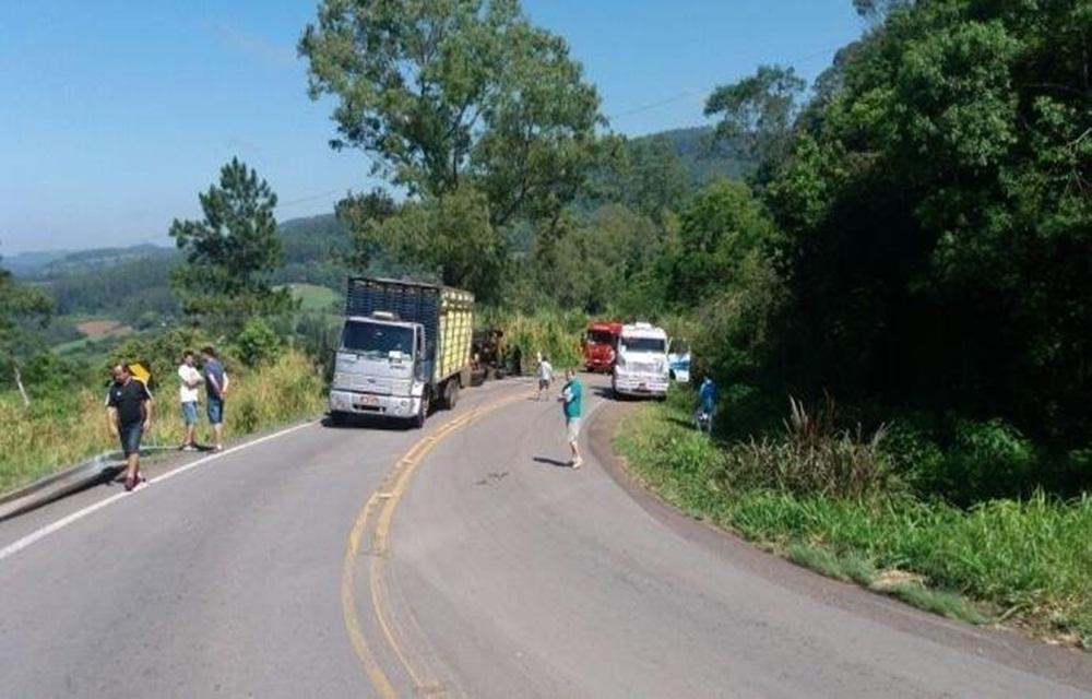 Ir para Motorista morre em acidente na BR 470, em São José do Sul.