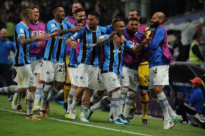 Ir para Grêmio vence Pachuca e está na final do Mundial de Clubes