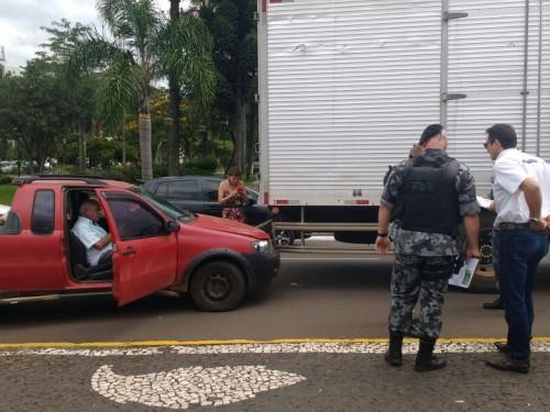 Ir para  <p><big>Quatro&nbsp;acidentes foram registrados no centro de Erechim em menos de uma hora e pelo menos uma pessoa ficou ferida. O primeiro caso aconteceu por volta do 12h30 na Avenida Sete de Setembro em frente ao...