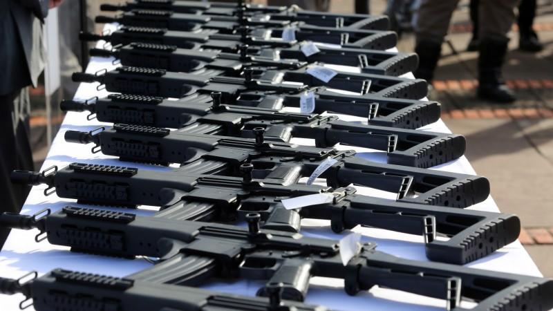Ir para Governo do Estado recebe doação de armas para Brigada Militar e Polícia Civil
