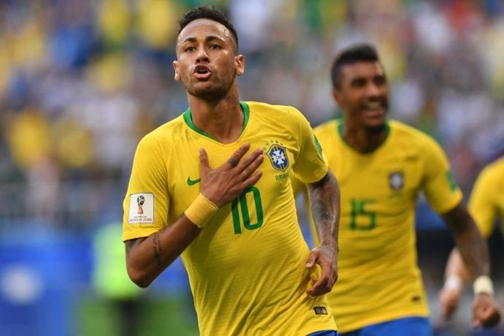 Ir para  <p>O sonho do hexacampeonato segue vivo. Nesta segunda, Neymar comandou o triunfo do Brasil por 2 a 0 sobre o México. O resultado garantiu vaga nas quartas de final da Copa do Mundo. A vitória na Arena Samara, em...