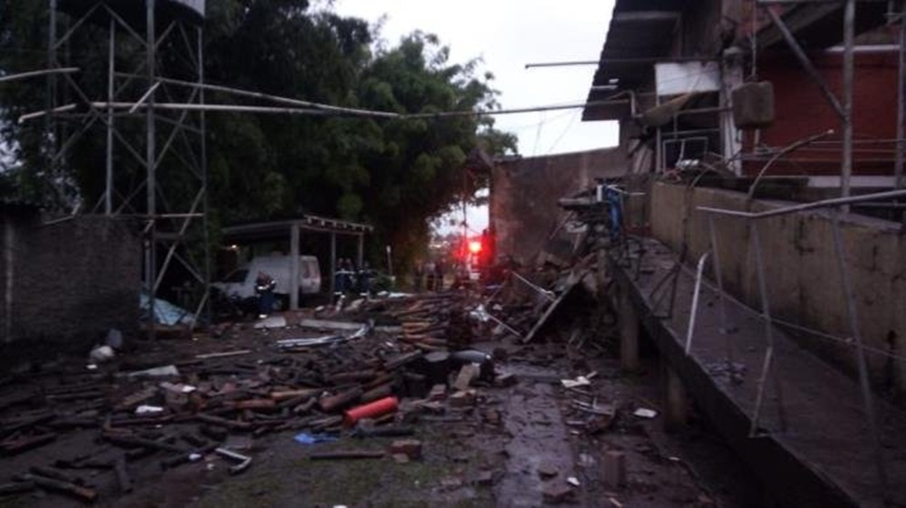 Ir para  <p>Dois funcinonários morreram e quatro ficaram feridos, nesta segunda-feira, em uma explosão em um frigorífico em Taquara, no Vale do Paranhana. De acordo com o Corpo de Bombeiros, o incidente aconteceu por...