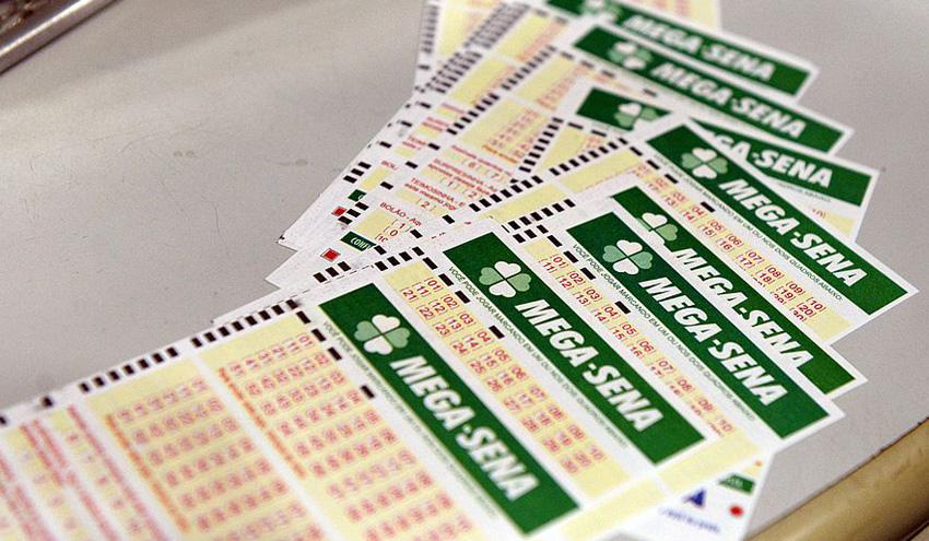 Ir para  <p>O concurso 2070 da Mega-Sena, realizado no último sábado em Coribe, na Bahia, não registrou acertadores do prêmio máximo e a estimativa para o próximo sorteio é...