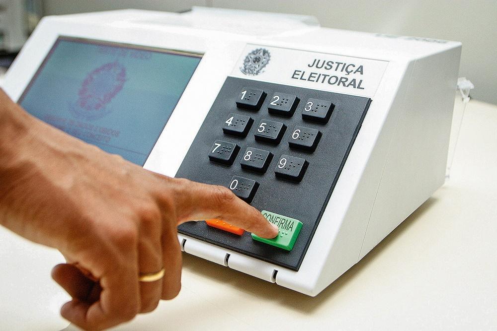 Eleições devem mobilizar 2 milhões de mesários em todo o país.