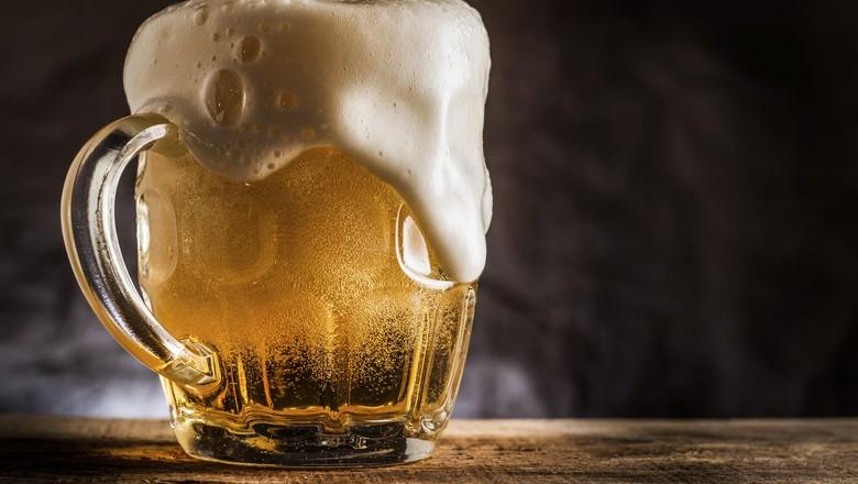 Ir para  <p>Segundo um artigo publicado no periódico<em>Nature Plants</em>, o aquecimento global está ameaçando a produção de cerveja no mundo. A previsão...