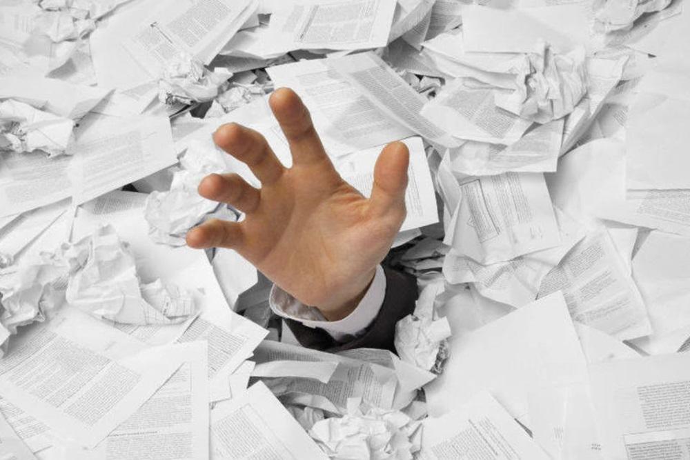 Ir para  <p>Imposto demais, taxa demais, documenta&ccedil;&atilde;o demais, tr&acirc;mites demais, funcion&aacute;rios demais e efici&ecirc;ncia de menos. &Eacute; a burocracia levada ao extremo com o firme...