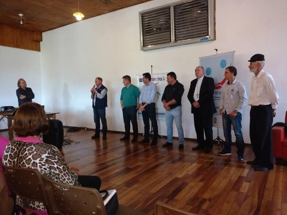 Ir para  <p><big>Realizado ontem, 25, na Cantina Trentin em Erechim, o &quot;I SEMIN&Aacute;RIO SOBRE PREVEN&Ccedil;&Atilde;O DE ACIDENTES NO MEIO RURAL&rdquo;. Importante evento realizado pela Emater Municipal juntamente...