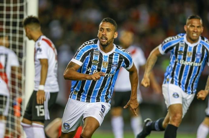 Ir para  <p>A noite desta terça-feira promete fortes emoções aos torcedores do Grêmio. Pelo segundo ano consecutivo, o Tricolor, que é o atual campeão, pode decidir a Libertadores da...