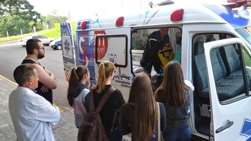 Ir para  <p><big>Os acadêmicos do primeiro ano do Curso de Enfermagem da URI Erechim participaram de atividades como forma de desenvolver habilidades para a prestação de socorro no suporte básico e...