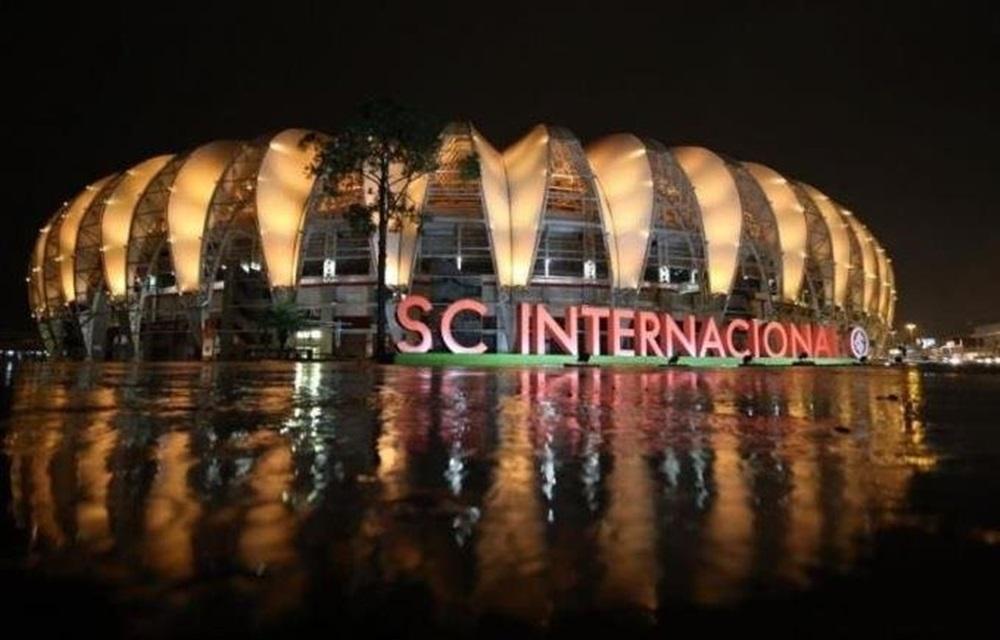Ir para  <p>Discretamente, graças à postura responsável dos candidatos, que respeitaram a corrida em campo da equipe pelo título brasileiro, o Inter viverá na noite desta quinta-feira a primeira...