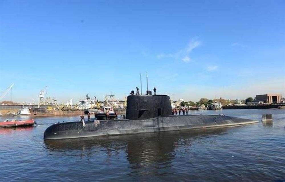 Ir para  <p>O submarino San Juan, da Marinha da Argentina, que desapareceu há um ano no Oceano Atlântico, com 44 tripulantes a bordo, foi localizado na sexta-feira, informou a força armada em sua conta no Twitter....