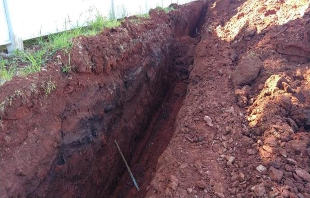 Ir para  <p>O imigrante senegalês Chic Sisse, 22 anos, morreu soterrado na manhã desta terça-feira, por volta das 9h15min, em uma obra nas margens da BR 285, km 302, em Passo Fundo, no Norte do Rio Grande do Sul. O...