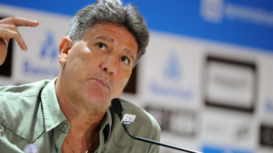 Ir para  <p><big>O Grêmio se reapresentou na tarde desta terça-feira no CT Luiz Carvalho para a última semana de trabalho em 2018. O clube gaúcho permaneceu dentro do G-4 graças ao empate...
