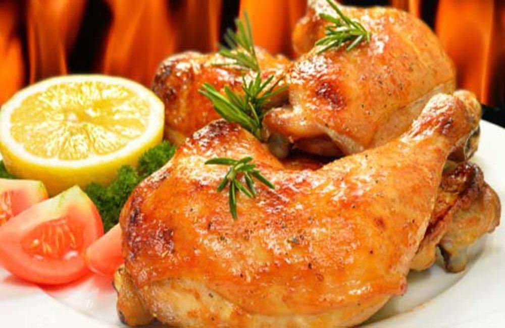 Ir para  <p>1 peito de frango cortado em 4 bifes;</p>  <p>1 limão;</p>  <p>1 colher (chá) de amaciante para carnes em pó;</p>  <p>1 pitada de sal;</p>  <p>1...