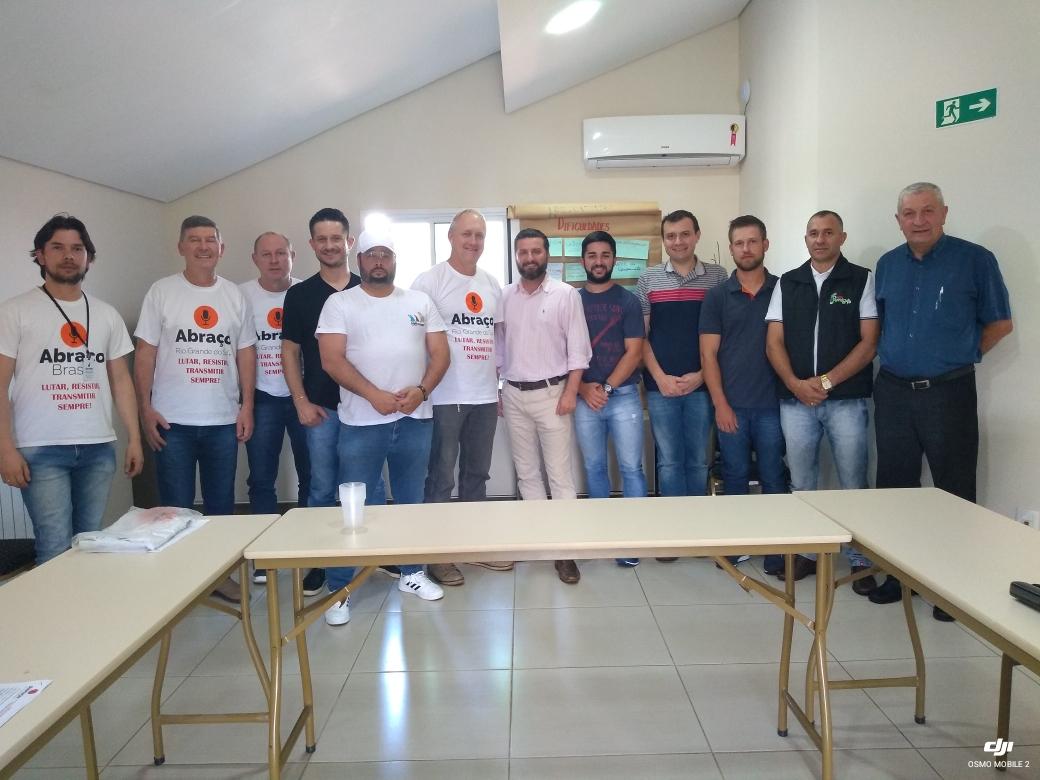 Ir para  <p><big>Com o objetivo de potencializar o trabalho realizado pelas rádios comunitárias da região nordeste do Rio Grande do Sul, foi realizado no último sábado (01), na cidade de...