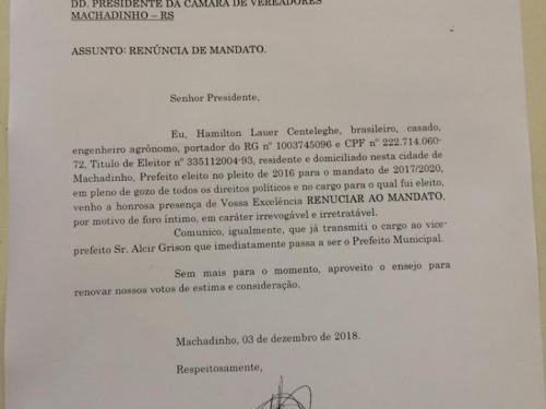 Ir para  <p>O prefeito de Machadinho, Hamilton Lauer Centeleghe, renunciou ao cargo no início datarde desta segunda-feira, 03. O administrador encaminhou uma carta ao presidente da Câmara de Vereadores,Gerson...