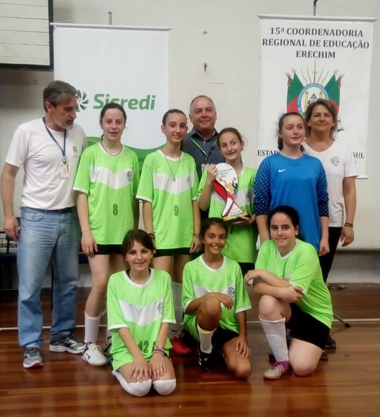 Ir para  <p><big>O Futsal feminino de Viadutos é novamente destaque regional. Após a conquista do campeonato regional do Alto Uruguai pela equipe feminina de Viadutos, agora foram as meninas da Escola Estadual de...