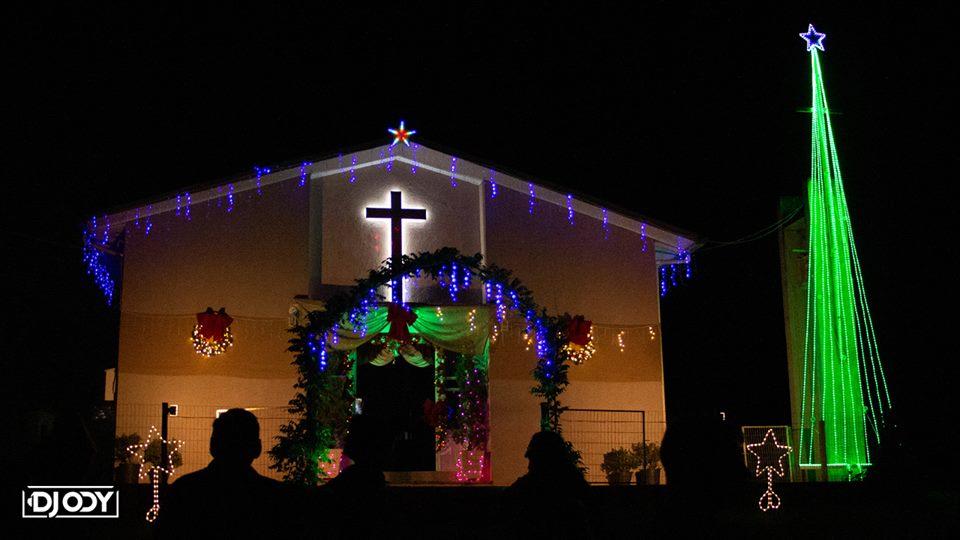 Ir para  <p><big>É tradição da Capela Nossa Senhora de Lourdes em Linha Rio Marcelino, interior de Viadutos, embelezar sua igreja com decorações natalinas que encantam as pessoas que...