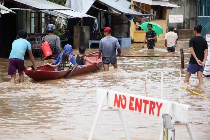 Ir para  <p>Uma tempestade que atingiu na semana passada as Filipinas deixou 68 mortos no centro do país, segundo um novo balanço divulgado nesta segunda-feira pelas autoridades. A maioria das mortes ocorreram por afogamento ou...