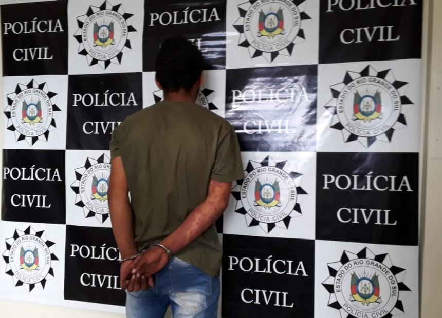 Ir para  <p><big>A adolescente Eliane de Oliveira Ribeiro da Silva, de 15 anos, teria sido morta por engano na noite deste domingo, 06, no bairro São Vicente de Paulo em Erechim. A afirmação é do...