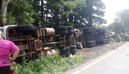 Ir para Acidente com carga perigosa bloqueia trânsito entre Passo Fundo e Marau
