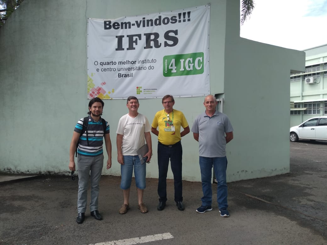 Ir para  <p><big>Dirigentes da Abra&ccedil;o RS &ndash; Regional do Alto Uruguai, se reuniram com o professor H&eacute;lio Pomorski, do Instituto Federal do Rio Grande do Sul &ndash; Campus Erechim, para conversar sobre o curso...