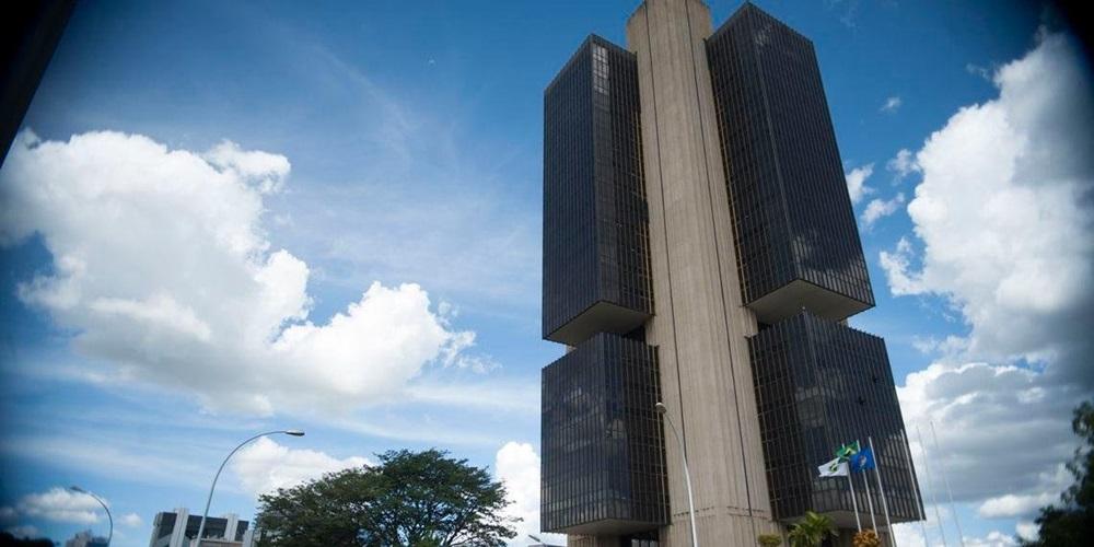 Ir para  <p>Pela sétima vez seguida, o Banco Central (BC) não alterou os juros básicos da economia. Por unanimidade, o Comitê de Política Monetária (Copom) manteve a taxa Selic em 6,5%...