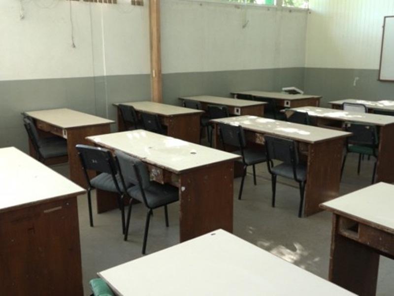 Ir para  <p><big>Dois cursos técnicos realizados pelo Senai em parceria com o governo do Estado no Colégio Haidée foram cancelados. Mais de 100 estudantes já estavam inscritos e vão...