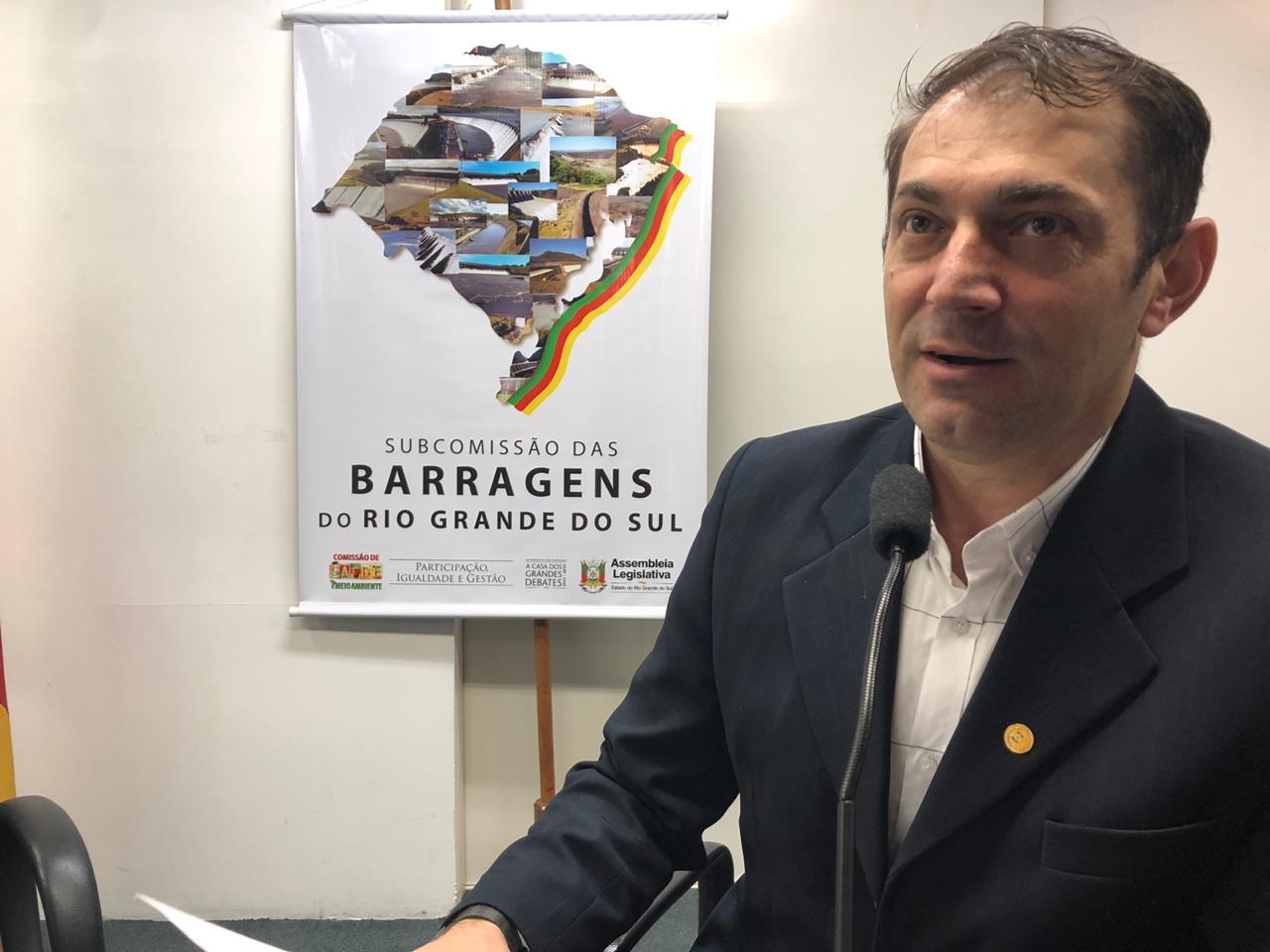 Ir para  <p><big>A Subcomissão das Barragens da Assembleia Legislativa do Rio Grande, aprovou na manhã desta quarta-feira (27) o plano de trabalho que será desenvolvido pelo grupo parlamentar criado pela...