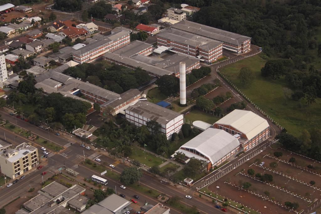 Ir para  <p><big>A URI (Universidade Regional Integrada do Alto Uruguai e das Miss&otilde;es) celebra neste domingo seus 27 anos. Criada em 19 de maio de 1992, &eacute; uma Institui&ccedil;&atilde;o Comunit&aacute;ria e...