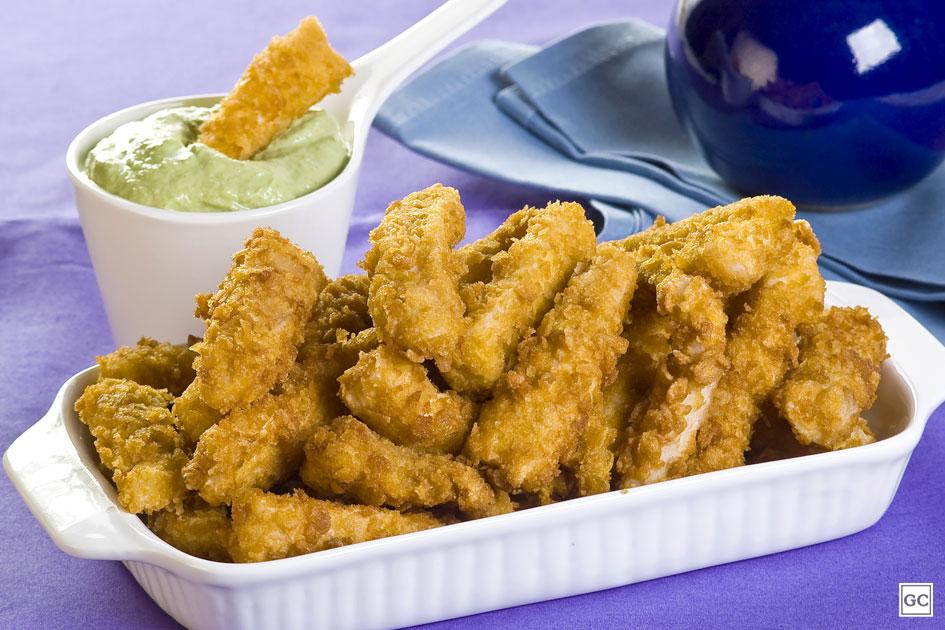 Ir para  <p>Sal;</p>  <p>Pimenta preta;</p>  <p>1 colher de sopa de raspas e lim&atilde;o siciliano;</p>  <p>3 fil&eacute;s de peixe cortados ao meio no sentido do comprimento;<br...