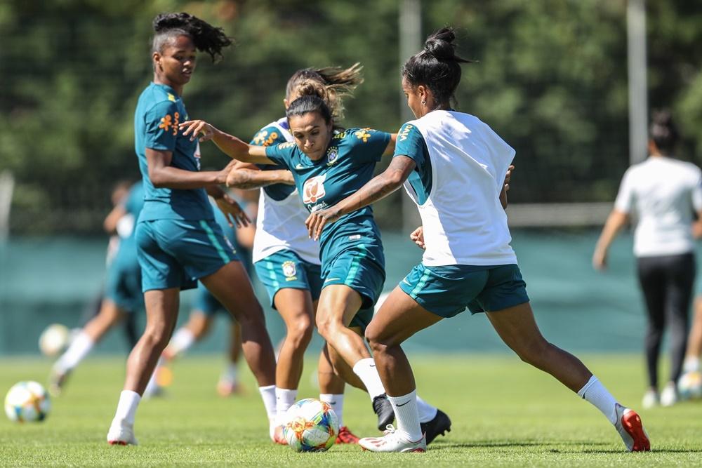 Ir para  <p><big>Marta tem chances de estrear contra Austr&aacute;lia na&nbsp;Copa do Mundo, quinta-feira, &agrave;s 13h (de Bras&iacute;lia), em Montpellier, na Fran&ccedil;a. Pelo menos foi o que disse o...